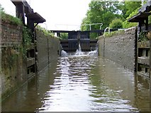 SU3568 : Dun Mill Lock, Kennet and Avon Canal by Miss Steel