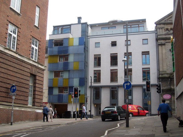 Modern Facade on Cambridge Road