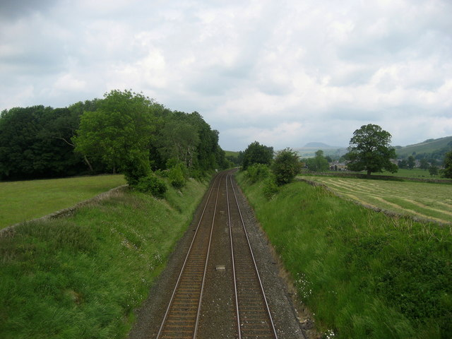 Railway approaching Settle