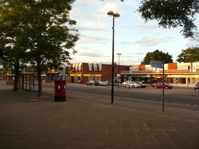 Ferndown: postbox № BH22 52, Victoria Road