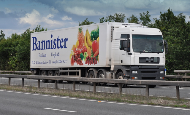 M42 Motorway - Bannister of Evesham Lorry