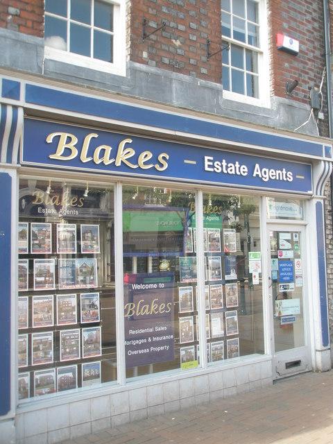 Estate agents in Gosport High Street (5)