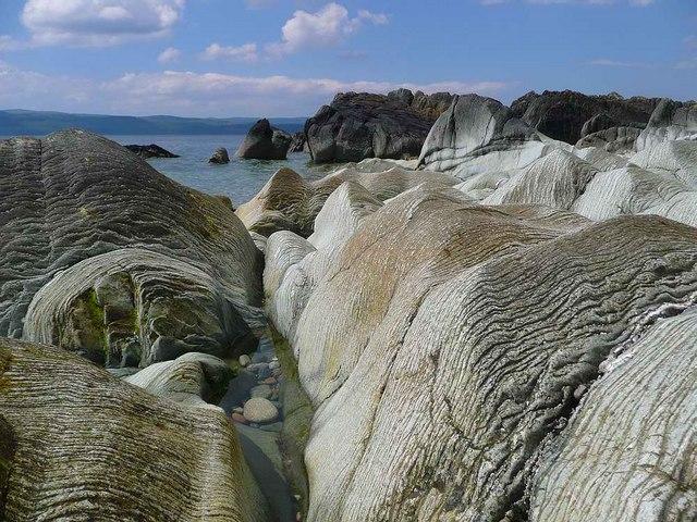 Voluptuous rocks at Imachar