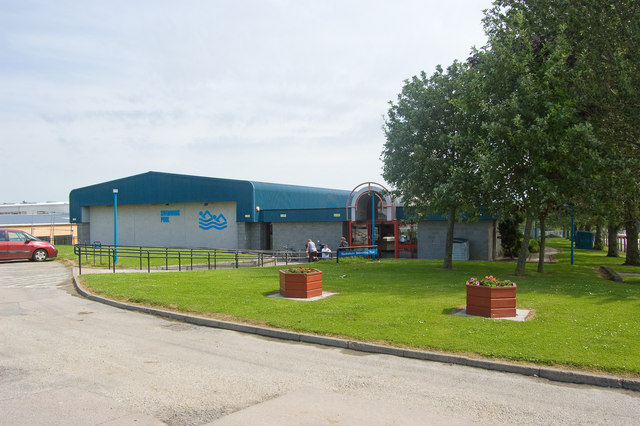 Bucksburn Swimming Pool Bill Harrison Cc By Sa 2 0 Geograph Britain And Ireland