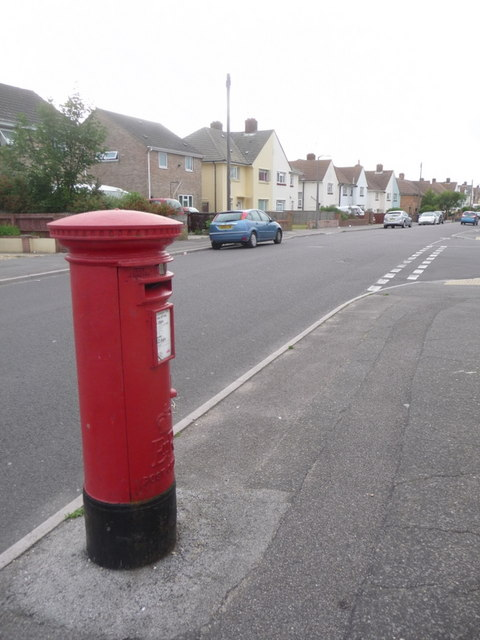Branksome: postbox № BH12 227, Melbury Avenue