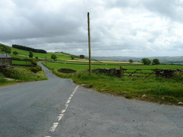 Road to Clapham at Newby Cote