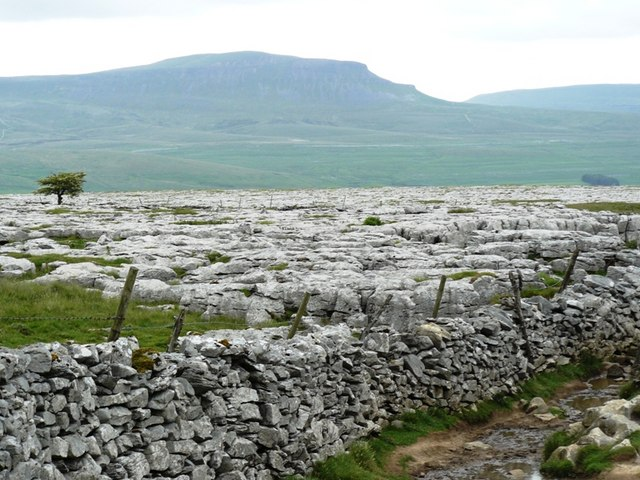 Near Sulber pot view of Pen y ghent