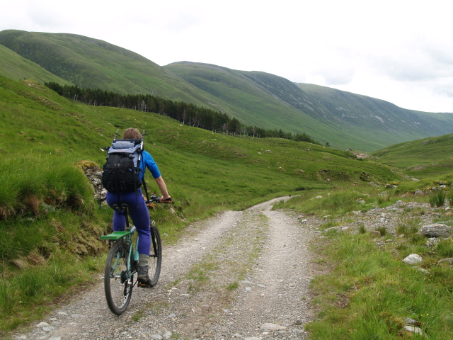 Cycling the Glenuiag Lodge track