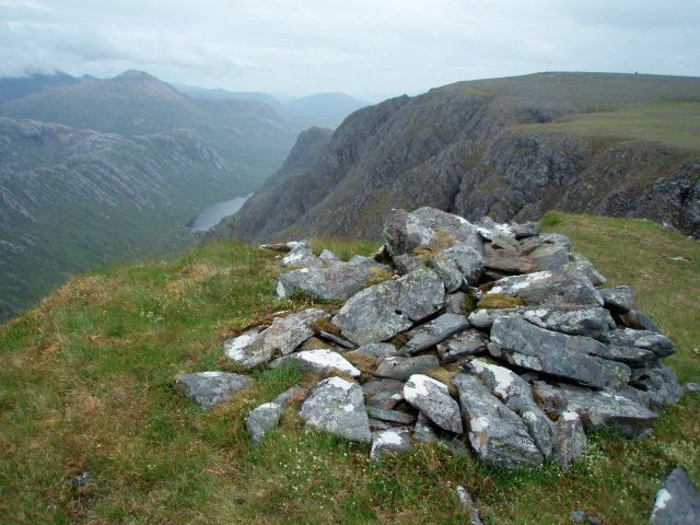 Cairn, pt 831m, NE ridge of Beinn Lair