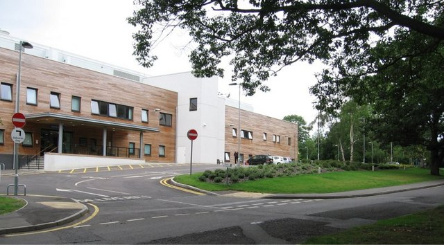 Brentwood Community Hospital, Crescent Drive, Brentwood, Pic B