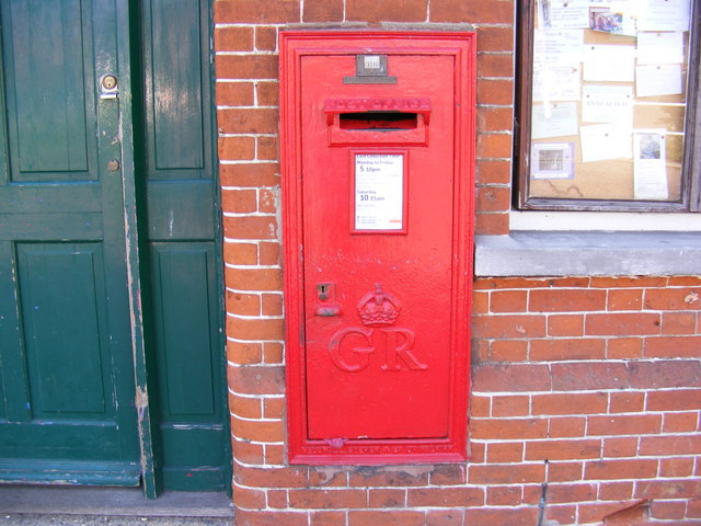 Riverside Post Office George V Postbox
