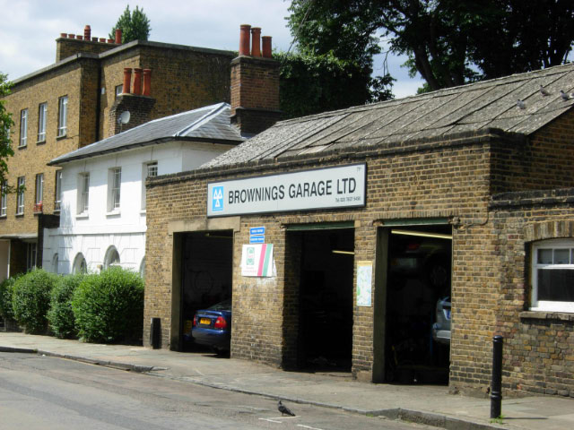 Brownings garage ltd finsbury stephen mckay cc by sa 2 for Garage mariot pecy