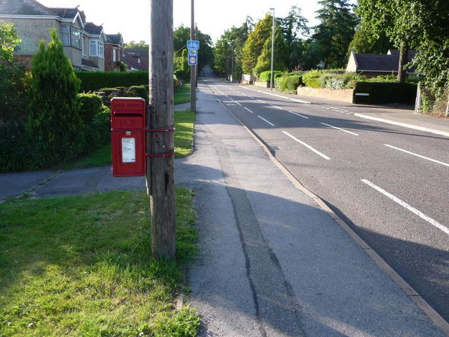 Broadstone: postbox № BH18 43, Higher Blandford Road