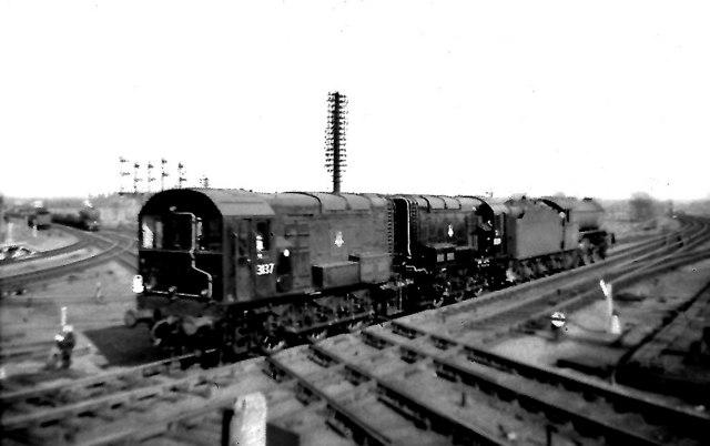 Railway diamond crossing