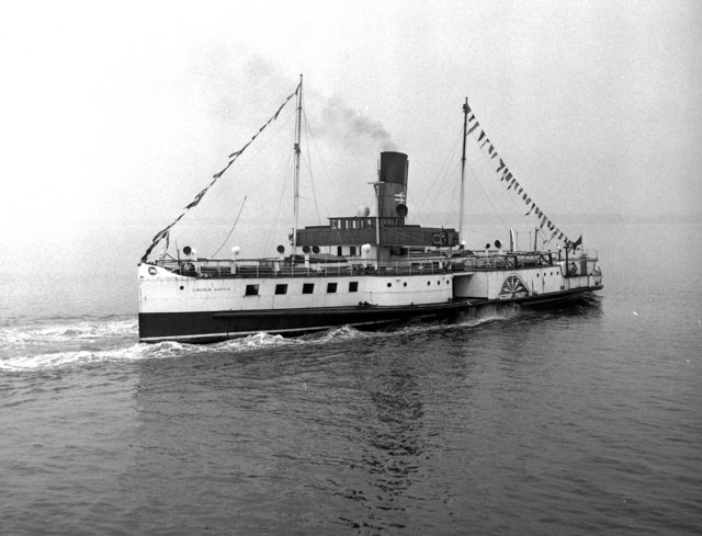 P S 'Lincoln Castle' off New Holland