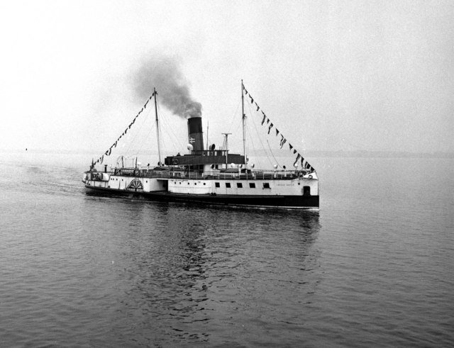 P.S. 'Lincoln Castle' off New Holland