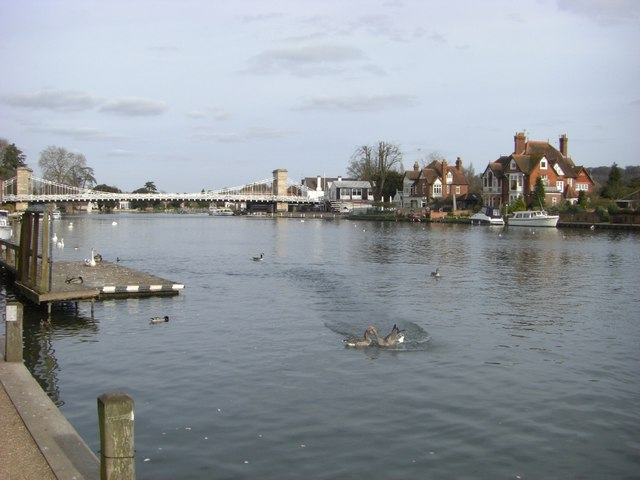 Thames river at Marlow