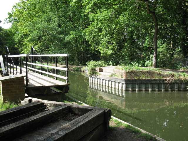 Swing Bridge, Basingstoke Canal