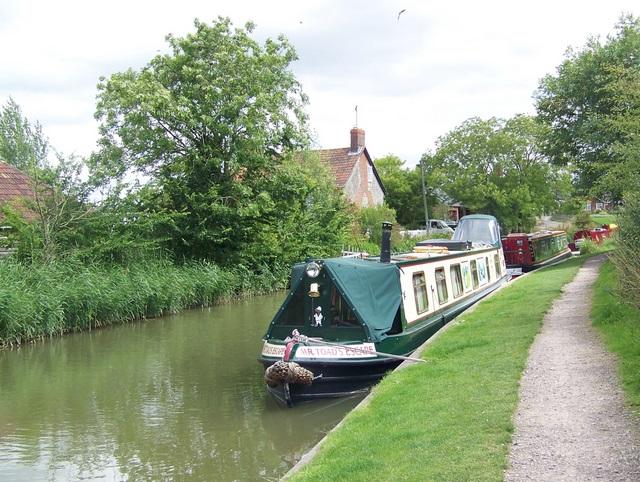 Kennet and Avon Canal, Honeystreet