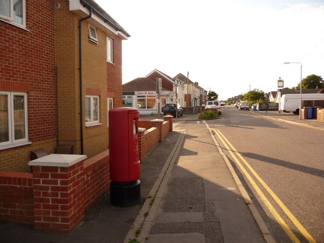 Parkstone: postbox № BH12 53, Rossmore Road