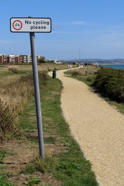 New cliff-top path at Milford on Sea: no cycling please