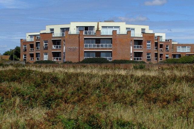 Symmetrical sea-view apartments, Milford on Sea