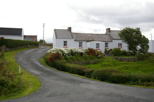 Cottages near Seascann an Roín