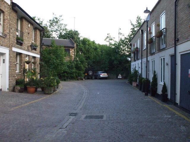 Royal Crescent Mews, W11