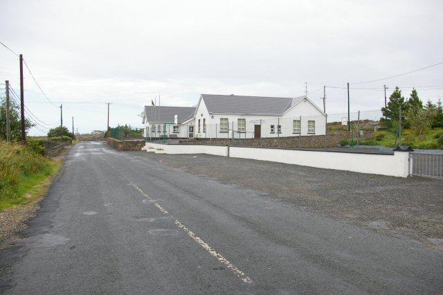Loch an Iúir school