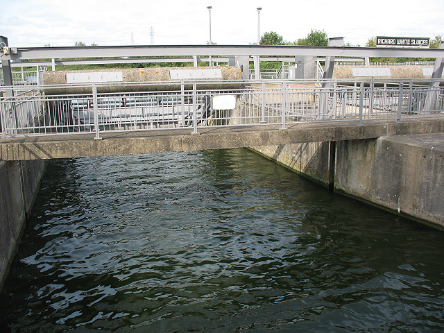 Richard White sluices, Dobb's Weir Road