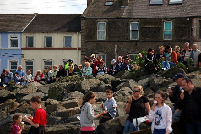 Watching the Tall Ships(3)