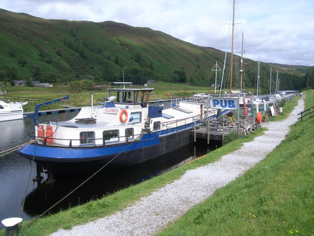 The Eagle, floating pub at Laggan Lock