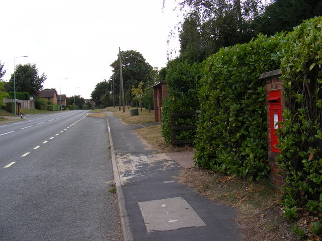 Main Road & Crown Point Postbox