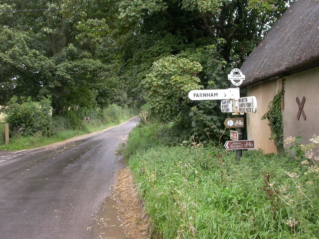 Farnham, fingerpost Mike Faherty :: Geograph Britain and Irelandfarnham village