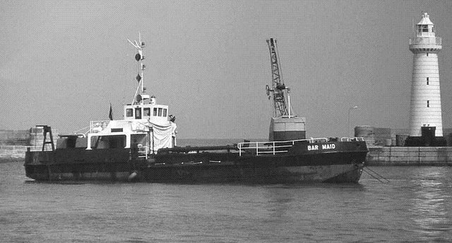 Dredging Donaghadee harbour