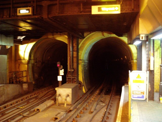 Brunel's Tunnel - north entrance