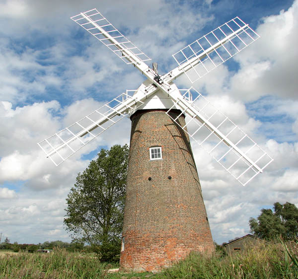 Hardley Mill with new cap, sails and fantail