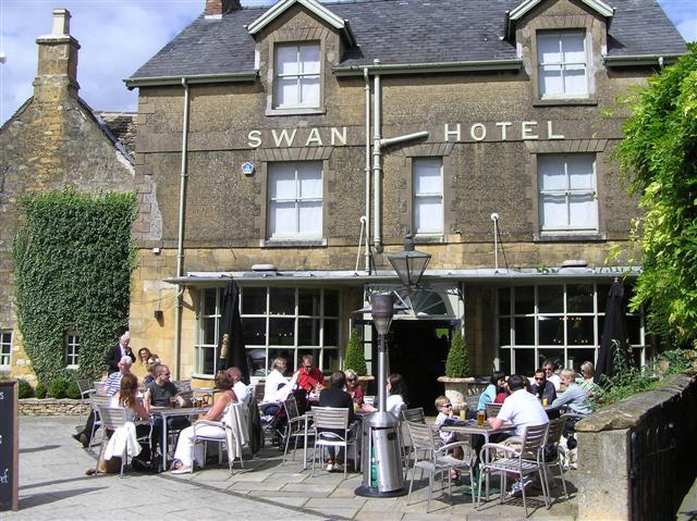 Swan Hotel Broadway