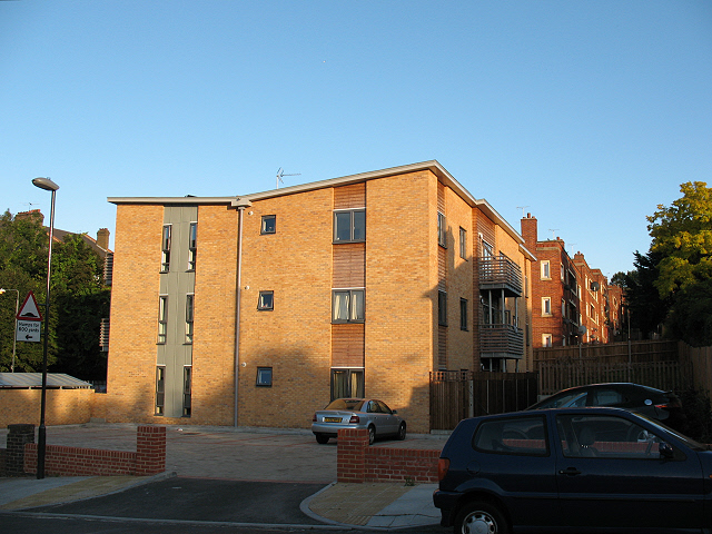 New housing on Tallis Grove