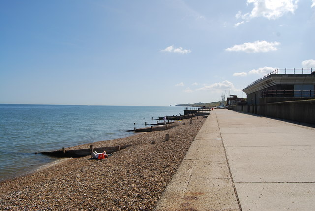 beach east of herne bay n chadwick geograph britain. Black Bedroom Furniture Sets. Home Design Ideas