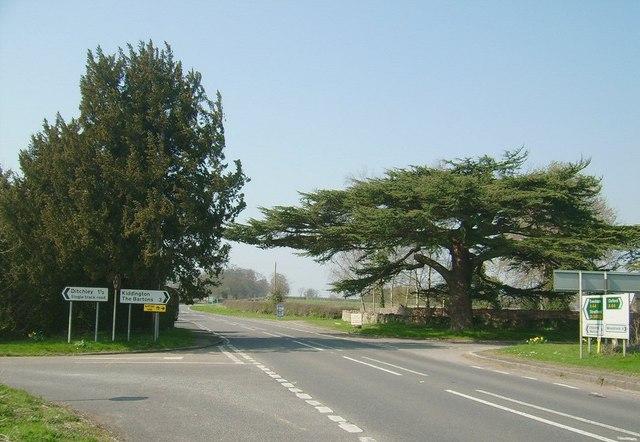 Over Kiddington (A44)