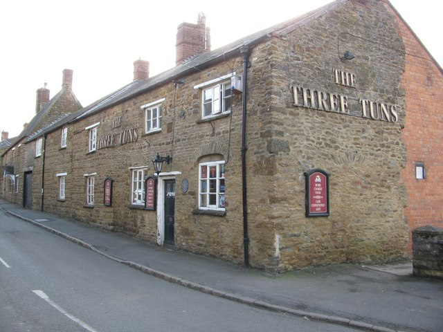 The Three Tuns Public House, King's Sutton