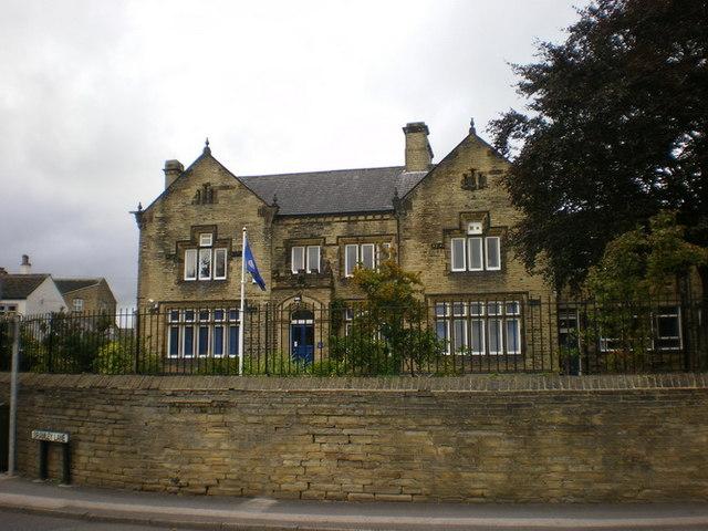 Hipperholme Grammar School:: OS grid SE1225 :: Geograph Britain ...