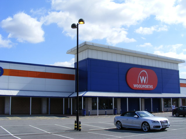 Woolworths clearance outlet Beckton Triangle Retail Park