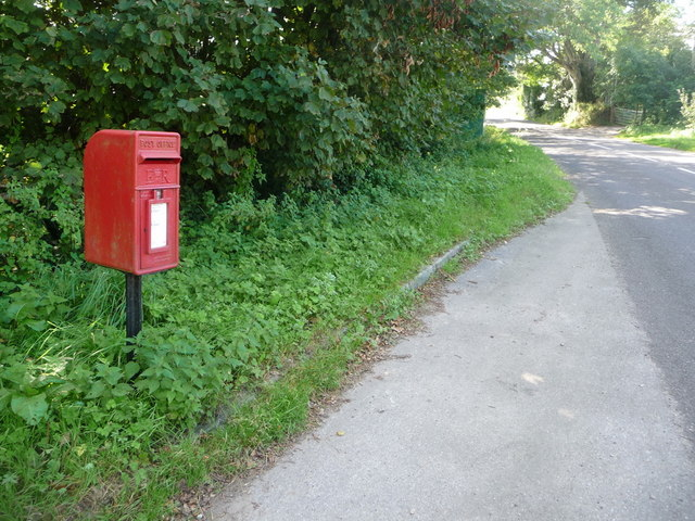 Marshwood: postbox № DT6 28