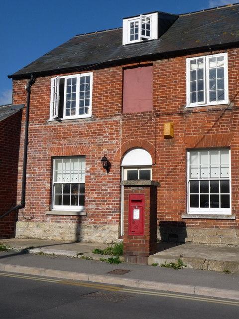 Bridport: postbox № DT6 40, North Allington