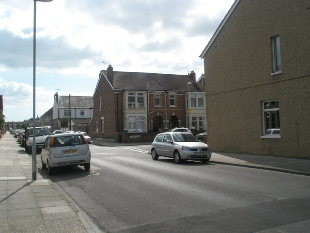 Approaching the junction of  Randolph Road and Thurbern Road