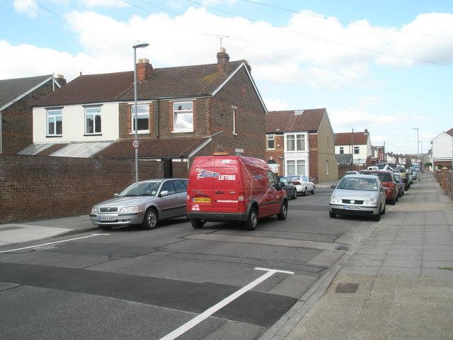 Red van in Randolph Road