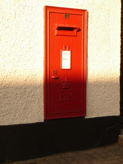 Bere Regis: postbox № BH20 194, West Street