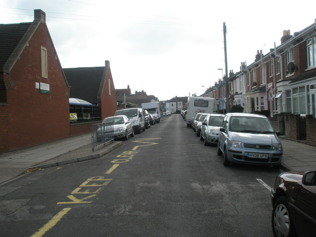 Looking southwards down Crofton Road towards Stubbington Avenue